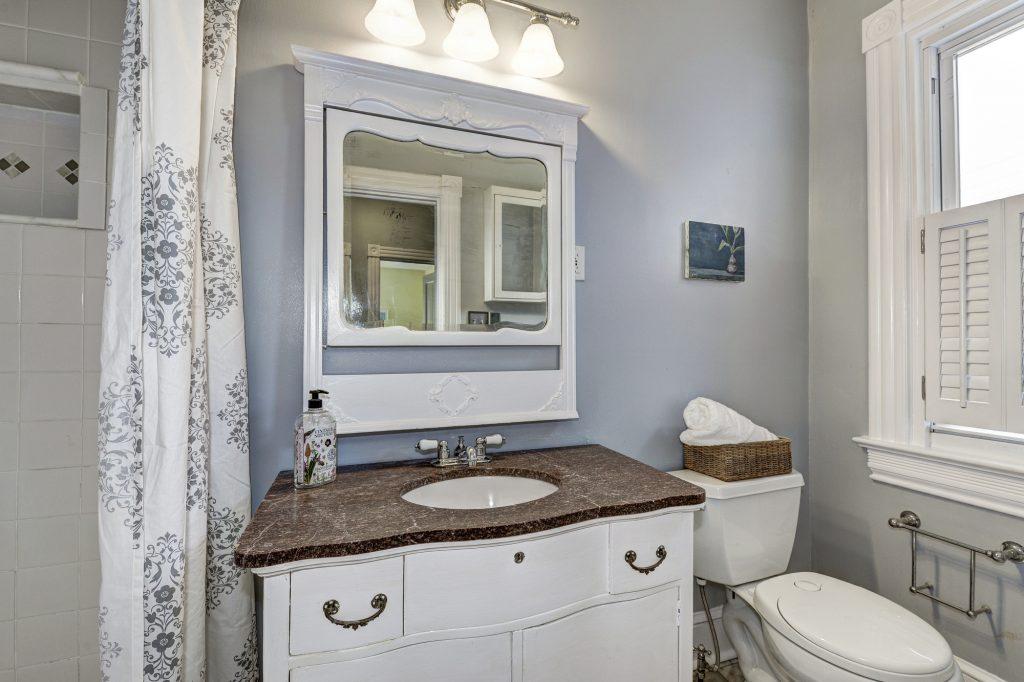 e-1231-gray-bathroom-1024x682