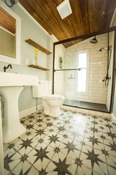 Star tile bathroom